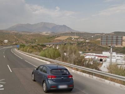 Monoposte publicitario de 10.4x4 m en Manilva, Málaga