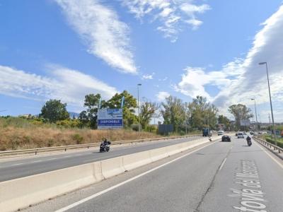 Valla publicitaria de 8x3 m en Estepona, Málaga