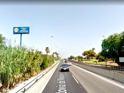 Monoposte publicitario de 10.4x4 m en Estepona, Málaga