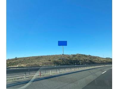 Monoposte publicitario de 12x5 m en Manilva, Málaga