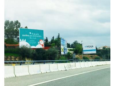 Valla publicitaria de 8x3 m en Marbella, Málaga