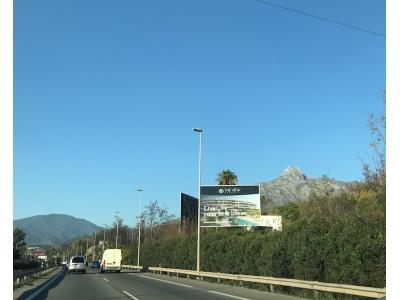 Valla publicitaria de 10.4x7 m en Marbella, Málaga