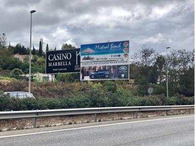 Valla publicitaria de 12x4 m en Marbella, Málaga