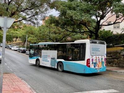Autobus publicitario de Gran lateral + Simple en Guaro (coin), Málaga