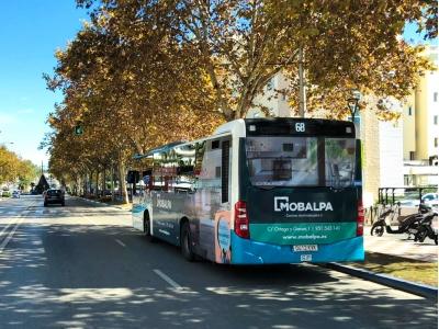 Autobus publicitario de Semi Integral en Fuengirola, Málaga