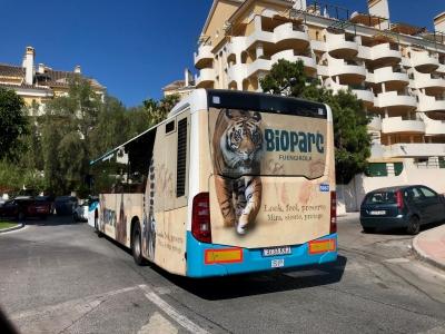 Autobus publicitario de Urban Simple en Benalmadena costa, Málaga