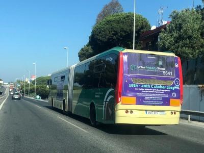 Autobus publicitario de Urban Simple en Sitio de calahonda (mijas), Málaga